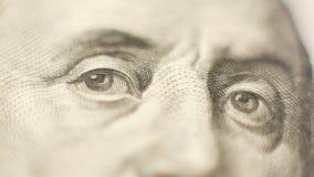 Ciérrese para arriba de 100 dólares de dinero almacen de video