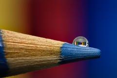 Ciérrese para arriba de descenso de los lápices Imagen de archivo