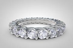 Ciérrese para arriba de Diamond Ring en el fondo blanco foto de archivo libre de regalías