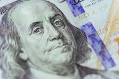 Ciérrese para arriba de Franklin en 100 dólares de cuenta Fotos de archivo libres de regalías