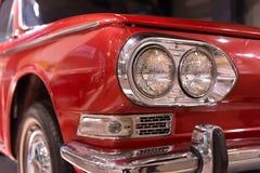 Ciérrese para arriba de frente del automóvil del vintage fotos de archivo