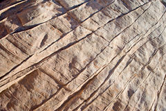 Ciérrese para arriba de líneas en roca Imágenes de archivo libres de regalías