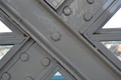 Ciérrese para arriba de la construcción de puente fotografía de archivo