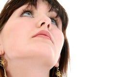 Ciérrese para arriba de la muchacha adolescente que mira para arriba Foto de archivo