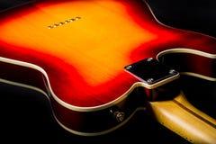 Ciérrese para arriba de la parte posterior de una guitarra eléctrica imágenes de archivo libres de regalías