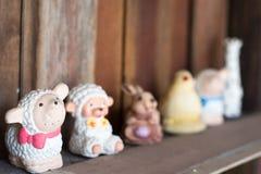 Ciérrese para arriba de las muñecas para la decoración casera Fotografía de archivo