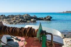 Ciérrese para arriba de los barcos viejos de un tirón de Rusty Wire Roll Used To del S imagen de archivo libre de regalías