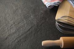 Ciérrese para arriba de los utensilios de la cocina Fotografía de archivo