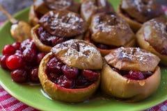 Ciérrese para arriba de manzanas cocidas con los arándanos Imagen de archivo libre de regalías