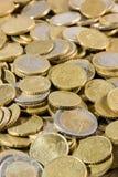 Ciérrese para arriba de montón de las monedas de los euros Foto de archivo