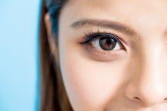 Ciérrese para arriba de ojo de la mujer imágenes de archivo libres de regalías