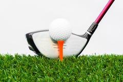 Ciérrese para arriba de pelota de golf y de conductor Imágenes de archivo libres de regalías
