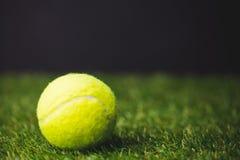 Ciérrese para arriba de pelota de tenis Imagen de archivo