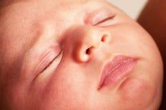 Ciérrese para arriba de recién nacido Foto de archivo