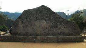 Ciérrese para arriba de roca sagrada en el picchu del machu almacen de metraje de vídeo