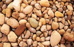 Ciérrese para arriba de rocas en la tierra Fotos de archivo libres de regalías
