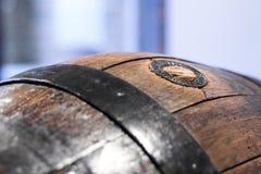 Ciérrese para arriba de un barril de madera viejo Foto de archivo libre de regalías