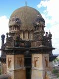Ciérrese para arriba de un Minar de Gol Gumbaz, Bijapur Foto de archivo libre de regalías
