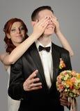 Ciérrese para arriba de un par joven agradable de la boda Imagen de archivo libre de regalías