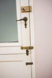 Ciérrese para arriba de un a puerta cerrada Fotos de archivo