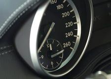 Ciérrese para arriba de un tablero de instrumentos moderno del coche Foto de archivo