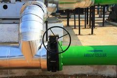Ciérrese para arriba de un tubo del aire frío industrial y del aire caliente Imagen de archivo libre de regalías
