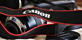 Ciérrese para arriba de una cámara digital de Canon foto de archivo libre de regalías