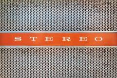 Ciérrese para arriba de una máquina tocadiscos del vintage con el estéreo del texto Foto de archivo libre de regalías