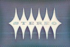 Ciérrese para arriba de una máquina tocadiscos del vintage con el estéreo del texto Imagenes de archivo