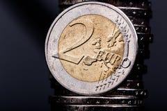 Ciérrese para arriba de una moneda del euro dos Imagen de archivo