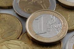 Ciérrese para arriba de una moneda euro Imagen de archivo libre de regalías