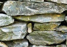 Ciérrese para arriba de una pared de la roca imágenes de archivo libres de regalías