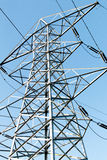 Ciérrese para arriba de una torre de la electricidad Fotografía de archivo
