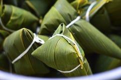 Ciérrese para arriba de Zongzi, bolas de masa hervida del arroz del chino tradicional Fotos de archivo libres de regalías