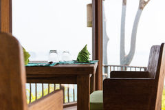 Ciérrese para arriba del ajuste de la tabla en el restaurante en Asia Fotografía de archivo