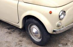 Ciérrese para arriba del coche clásico Imagenes de archivo