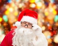 Ciérrese para arriba del guiño de Papá Noel Foto de archivo