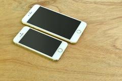 Ciérrese para arriba del iPhone 6s más e iPhone 5s Fotografía de archivo libre de regalías