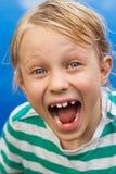 Ciérrese para arriba del muchacho sorprendido que dice guau Fotos de archivo libres de regalías