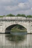 Ciérrese para arriba del puente romano Fotografía de archivo