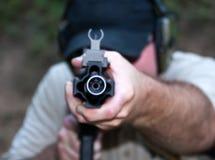 Ciérrese para arriba en barril durante el entrenamiento de arma de fuego Foto de archivo libre de regalías