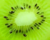 Ciérrese para arriba en la fruta de kiwi Imagen de archivo