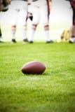 Ciérrese para arriba en una bola del fútbol americano imágenes de archivo libres de regalías