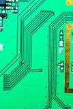 Ciérrese para arriba en una línea del backgro electrónico viejo de las placas de circuito Fotos de archivo