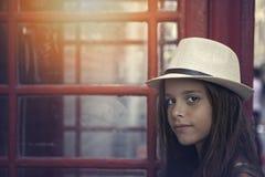 Ciérrese para arriba Niza de una niña con el sombrero Fotos de archivo libres de regalías
