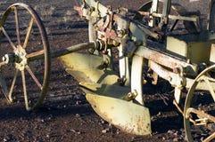Ciérrese para arriba o resuma de la maquinaria agrícola del vintage fotos de archivo