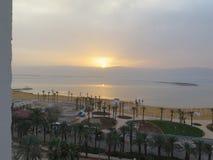 Ciò è il tramonto dalla camera di albergo Immagini Stock Libere da Diritti