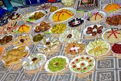 Ciò è un'immagine dei piatti indiani Dato la gamma di diversità nel tipo di terreno, nel clima e nelle occupazioni, queste cucine fotografia stock libera da diritti