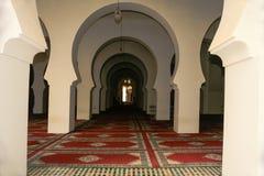 Ciągli Archways Wśrodku meczetu zdjęcia royalty free