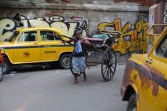 Ciągnący riksza Kolkata Obrazy Royalty Free